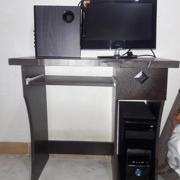 میزکامپوتر|میز و صندلی|رشت|دیوار