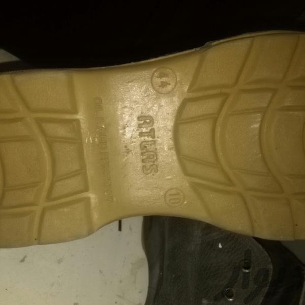 کفش ایمنی|کیف_کفش_کمربند|قم، کلهری|دیوار