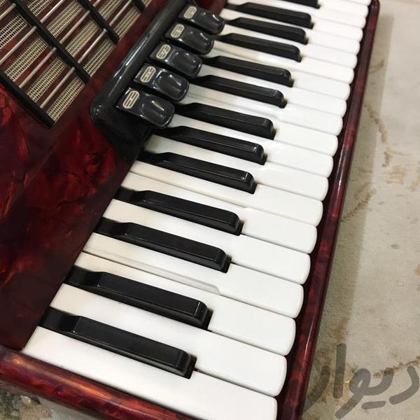 اکاردیون.    80باس ولتمیستر پیانو_کیبورد_آکاردئون تهران، خلیج فارس دیوار