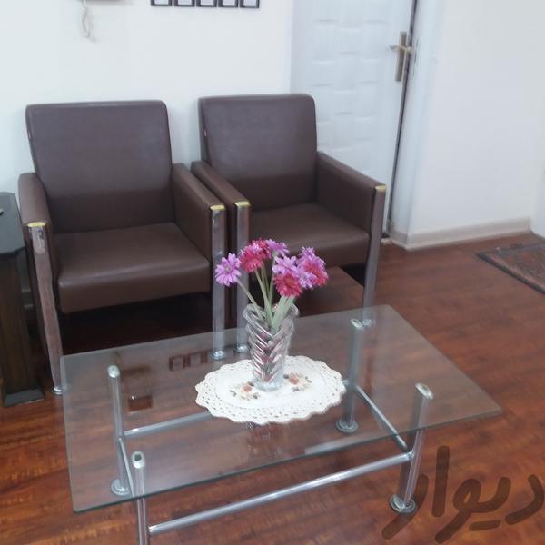 صندلی و میز|میز و صندلی|رشت|دیوار
